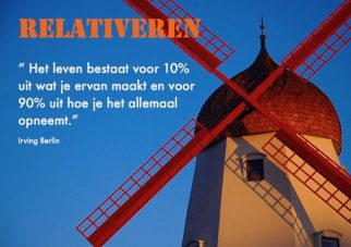 Relativeren; Foto: Solvang windmill by David Sadaton
