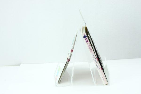 Dubbelzijdige catalogus en boekenstandaard